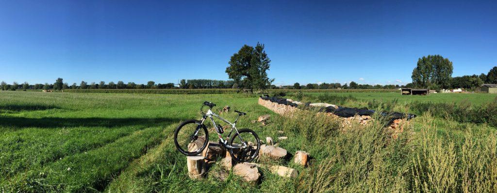 mountain-bike-1552425_1920
